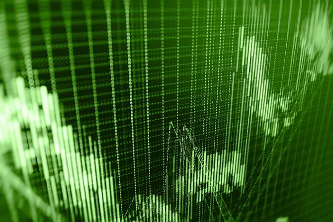 Wer sich dabei nicht nur auf einen einzigen Titel verlassen möchte, kann mit einem ETF auch in einen kompletten Index investieren. Derartige Anlagemöglichkeiten gibt es für H-Aktien beim Hang Seng Enterprise Index. (#01)