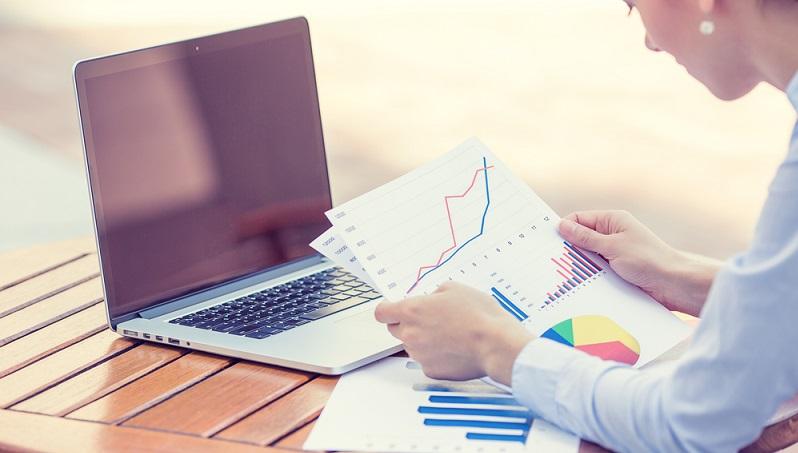 Hedgefonds sind aus der Welt der Börsen nicht mehr wegzudenken. In den vergangenen Jahrzehnten haben sich die unregulierten Fonds zu einem echten Hit unter privaten und professionellen Anlegern entwickelt. Dabei gibt es eine Reihe von Investitionsstrategien, mit denen die Fonds verwaltet werden. (#01)