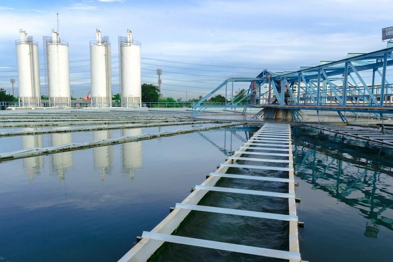 Sie investieren zum Beispiel in den Bau einer neuen Kläranlage oder eines Wasserwerkes.(#02)